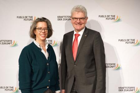 Dr. Tamara Zieschang (Staatssekretärin, Bundesministerium für Verkehr und digitale Infrastruktur) und Artur Auernhammer (Bundestagsabgeordneter und Präsident des Bundesverband Bioenergie e.V.)