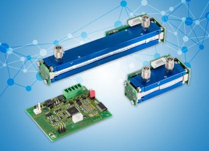 """Blue Performance: Sensoren der Serie FLOW EVO (o. und r.) verfügen über Modbus ASCII/RTU via UART. Kombiniert mit der CONNECT INTERFACE Elektronik (u. l.) bieten sie als """"PREMIUM EVO"""" Serie auch 4-20mA, 0-2/5/10V und eine Druckkompensation zur einfachen Anbindung an die kundenseitige Hardware"""