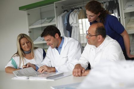 In der Textildienstleistungsbranche sind gut ausgebildete Fach- und Führungskräfte von entscheidender Bedeutung