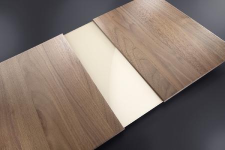 Mit dem neuen wasserverdünnbaren Öl Hydroleo lassen sich hochwertige Holzoberflächen schnell und sicher in vollautomatischen Lackieranlagen und manuell herstellen.