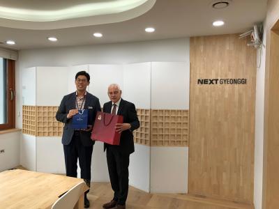 Wirtschaftsstarke koreanische Provinz Gyeonggi-Do und Germany's Saarland vereinbaren enge Zusammenarbeit