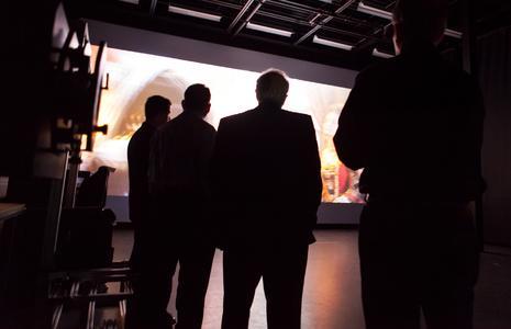 Christie empfängt Größen der Kinobranche zur weltweit ersten Vorführung von High-Frame-Rate (HFR) Laserprojektion