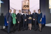 Top-Job-Preisverleihung 2019 mit Wolfgang Clement (TOP JOB-Mentor), Prof. Heike Bruch (wissenschaftliche Leitung), Prof. Dr. Dr. h.c. Bert Rürup (Jury-Mitglied), Robert Asal (maihiro), Christina Weber (maihiro), Bernd Hesse (maihiro), Silke Masurat (Geschäftsführerin zeag GmbH / Organisatorin) (v.l.n.r.) / Bild: zeag GmbH