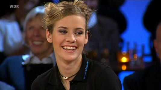 """Simone Laudehr mit blau.de-Shirt im WDR """"Kölner Treff"""" am 05.10.07"""