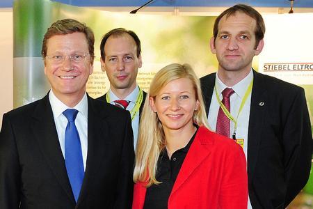 Auch FDP-Parteichef Guido Westerwelle informierte sich bei STIEBEL ELTRON