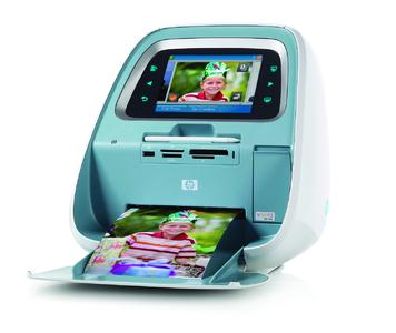 Mobiles Fotolabor – Der HP Photosmart A826 Kompakt-Fotodrucker mit Touchscreen