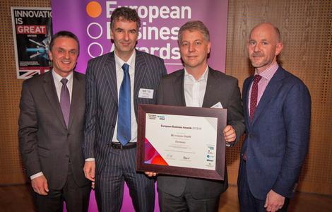 Von links: Herr Franz Huber (RSM, Hauptsponsor der EBA), Gero Auhagen (Micromata-Niederlassungsleiter Bonn), Kai Reinhard (CEO Micromata) Adrian Tripp (CEO European Business Awards)