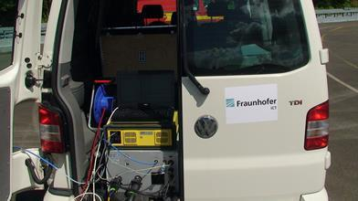 Mobile gas analytics tool of the Fraunhofer ICT, on site during an electric vehicle crash test