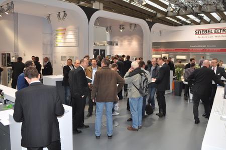 Treffpunkt Messe: Die ISH in Frankfurt bietet die beste Gelegenheit, mit seinen Fachpartnern ins Gespräch zu kommen, neue Lösungen, Produkte und Innovationen vorzustellen