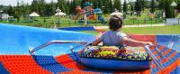 Gefahrloses Tubing Rides auch für kleine Kinder im bunten Schlauch