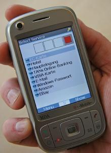 Mit der Sicherheitssoftware MobileSitter des Fraunhofer SIT kann man seine Passwörter bequem und sicher auf Mobiltelefon oder PDA verwalten.