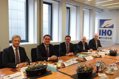 v.l.n.r. - IHO Vorstandsmitglieder Adelbert Förtsch, Dirk Lindner, Alfred Stöhr, IHO Geschäftsführer Heiko Faubel, IHO Vorstandsmitglied Werner Schulze
