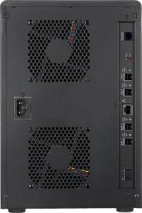 Durch eine ausgeklügelte SAS-Verkabelung versteht sich das ARC-8042 sogar darauf, direkt zwei Hosts gleichzeitig – sprich: Arbeitsplätze – mit Daten zu versorgen.