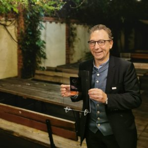 Geschäftsführer Jürgen Christian Schütz nahm die Auszeichnung am 22.09.2021 in Berlin entgegen.