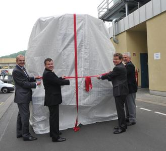 At the opening ceremony: Dr. S. Marcinowski, Member of the Board of BASF SE, B. Zentgraf, Chairperson of BASF Coatings' works council at the Würzburg site, Würzburg Lord Mayor G. Rosenthal and Dr. W. Jouck, Würzburg Site Mager.