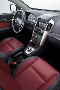 Luxuriöses Interieur kennzeichnet den neuen Chevrolet Captiva Sport