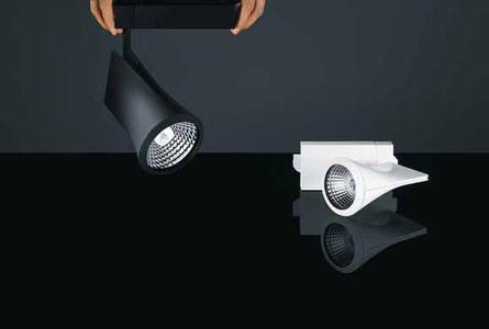 Good lighting quality and IR/UV-free light: the Iyon LED spotlight range meets all prerequisites for providing gentle lighting in a variety of shop applications, without the need for extra filters