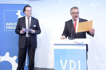 VDI-Pressesprecher Marco Dadomo und VDI-Präsident Prof. Bruno O. Braun (v.l.n.r.), Foto: Foto-Fabry Ettlingen