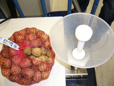 1 kg walnuts