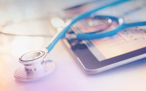 Roll-out of the Electronic Health Insurance Card: gematik Extends Contract with Arvato Systems (Copyright: Jamie Grill / Getty Images / Arvato Systems)