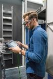 Forward-looking service solutions such as, e.g., the use of augmented reality for maintenance and repair purposes will likewise be presented /