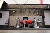 Der Prüfstand verfügt über eine Klimakammer, die Tragrollenprüfungen unter einsatznahen Bedingungen ermöglicht. (Foto: Ake Kriwall, IPH)