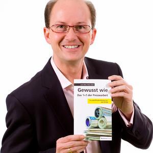 """Markus Walter, Autor des Buches """"Gewusst wie - Das 1x1 der Pressearbeit"""""""