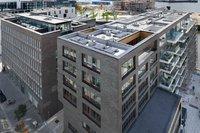 Die abwechslungsreiche architektonische Gestaltung der HafenCity stellte für die ausführende Firma Ad Fontes Solartechnik GmbH eine besondere Herausforderung dar.