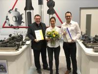 Hatten Grund zur Freude: (v.l.n.r.:) Manfred Müller, Vertriebsleiter bei CERATIZIT Deutschland, Stefanie Reimann, Assistentin der Geschäftsleitung und Regionalverkaufsleiter Michael Wilke nahmen die Auszeichnung für den 2. Platz des INTEC-Preises entgegen