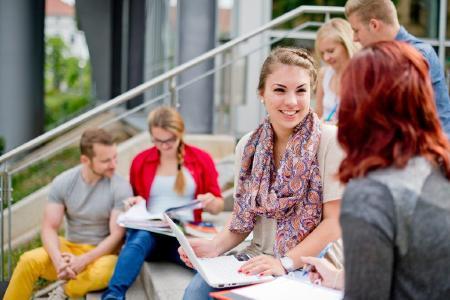 Studierende an der Hochschule Aschaffenburg / Foto HS Aschaffenburg