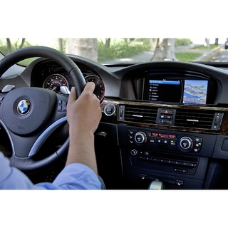 BMW Group announces support for new iPod Out feature for iPhone and iPod touch