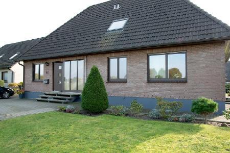 Unilux Holz-Haustür Hausansicht