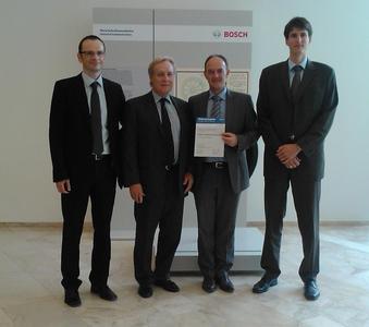 """Die Zusammenarbeit wird intensiviert: Bosch stuft Klüber Lubrication als """"Preferred Supplier"""" ein. V.l.: Volker Rieger, Bosch, Hans-Josef Dohmen, Michael Ott, beide Klüber Lubrication, Philipp Storch, Bosch"""