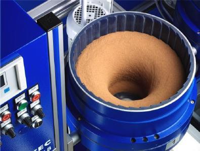 Die richtige Mischung für Präzision: Tellerfliehkraftmaschine von OTEC