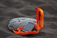 "Outdoor-Champion: Weltneuheit ""xs.case"" schützt Handy, MP3-Player & Co."
