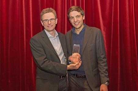 Geberit erhält CDQ Good Practice Award 2017. v.l.n.r. Jürgen Lay (Geberit), Stefano Giacomello (Geberit)