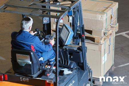 noax C12 industrial PC with integrated WLAN in action at Schenker AG