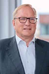 Dr. Dietmar Gollnick. Copyright eMessage