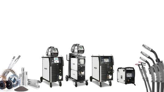Komplettsystem für höhere Produktionseffizienz - EWM bietet ein komplettes System für das Lichtbogenschweißen. Die optimale Abstimmung aller Komponenten ist die Basis für eine höhere Produktionseffizienz der Kunden. Sowohl die Schweißgeräte, Drahtvorschubgeräte als auch Brenner sind vollständige Eigenentwicklungen, die EWM mit großer Fertigungstiefe selbst produziert. Auch die Schweißzusatzwerkstoffe sind nach strengen Vorgaben gefertigt und passen damit ideal in das Gesamtsystem, das für höchste Qualität steht (Foto: EWM AG)