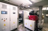 Container Innenansicht; 2 x BGA136 500 kWel Flexlösung. Vorgefertigt in 2 verbundenen Betoncontainern.