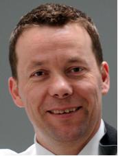 Leitet bei TÜV SÜD Automotive die neu geschaffene operative Einheit mit den Schwerpunktthemen Elektrik/Elektronik sowie Aktive Sicherheit und Zuverlässigkeit: Walter Reithmaier