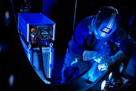 The new high-tech MIG/MAG welding power source QINEO NexT convinces by excellent arc characteristics for highest welding quality