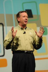 DS SolidWorks CEO Jeff Ray hielt die Eröffnungsrede der weltgrößten CAD-Anwenderkonferenz