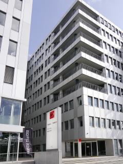 Neue Bürowelten im Design Offices Stuttgart Tower / Foto: REHAU