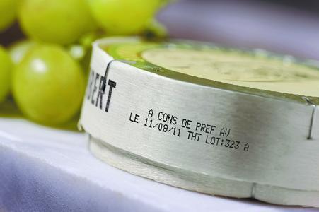 Karton, Kunststoff, Glas, Metall, Holz und vieles mehr beschriften die Continuous Inkjet-Codierer der Linx-Serie /Foto - Bluhm Systeme