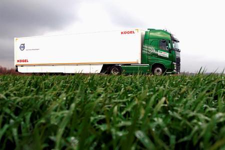 """Der Volvo FH hat den Europäischen Transportpreis für Nachhaltigkeit 2016 in der Kategorie """"Schwere Lkw"""" gewonnen"""