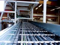 In den TOTALTRAX-Energieführungssystemen für SAT STERLING lassen sich bis zu fünf Medien gleichzeitig transportieren
