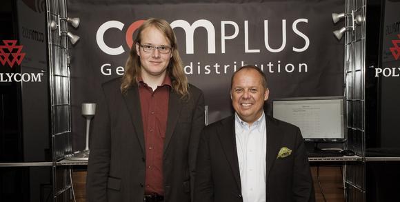 René Stegmaier, Geschäftsführer bei lantex und Thomas Hapke, Geschäftsführer bei der Complus Generaldistribution GmbH (von links nach rechts) präsentierten gemeinsam den exklusiven Redirect Server auf der Voice+IP Germany 2010