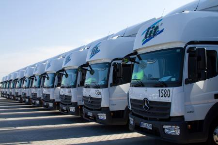 Aktuell be- und entlädt die L.I.T. am neuen Standort in Österreich 15 bis 20 Lkw am Tag, im nächsten Jahr soll das Volumen auf 30 bis 50 Jumbo-Gliederzüge pro Tag ansteigen. (Foto: L.I.T.)