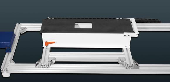Ultraschallsensoren messen die Lage der Bandschlaufen beim einlaufenden sowie auslaufenden Band und regulieren entsprechend die Drehzahl der Haspelanlage / Bilderverzeichnis Kesel, Applikation Wikus